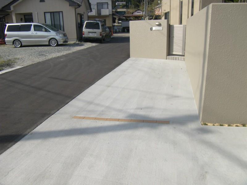 駐車場の土間コンクリートの打設_3|竜門園