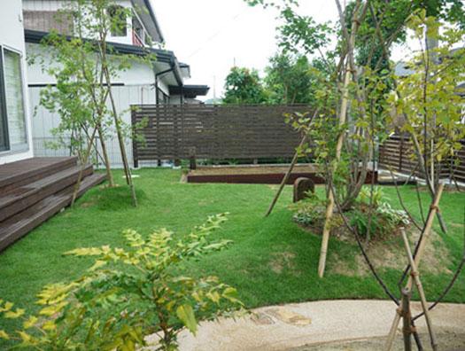 仙台市泉区 S様邸 ウッドフェンスと芝庭|竜門園