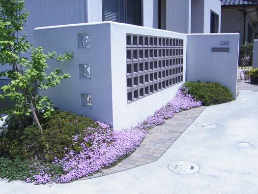 名取市 H邸 ガラスブロックを使ったシンプルなエクステリア_2|竜門園