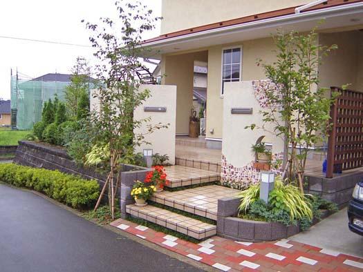 仙台市泉区 I 様邸 プロヴァンス風門柱とバラ香る庭|竜門園