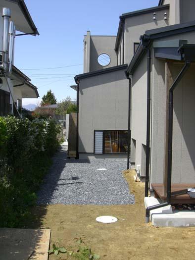仙台市 I 様邸 芝生の築山と砂利敷きの庭_3|竜門園