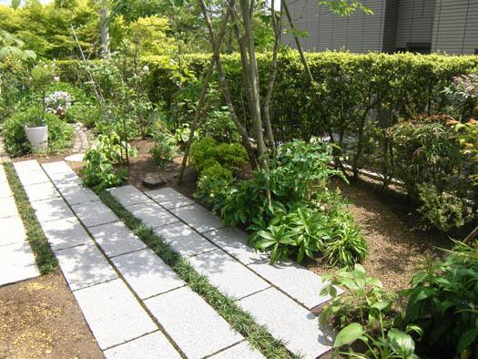 仙台市泉区 I 様邸 リガーデン 白いテラスの映える庭|竜門園