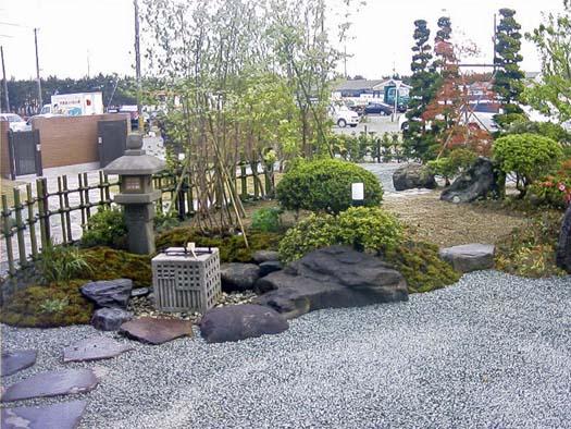 名取市 K様邸 芝生と築山庭園_10|竜門園