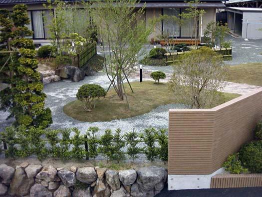 名取市 K様邸 芝生と築山庭園|竜門園