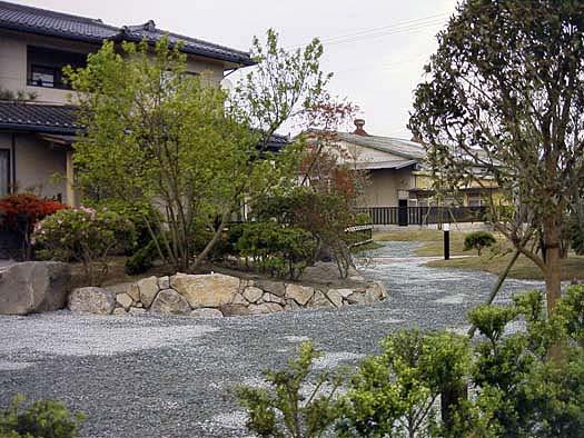 名取市 K様邸 芝生と築山庭園_9|竜門園