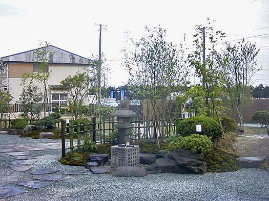 名取市 K様邸 芝生と築山庭園_2|竜門園