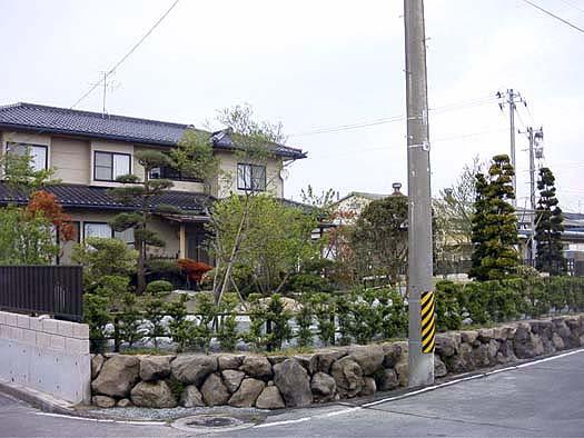 名取市 K様邸 芝生と築山庭園_8|竜門園