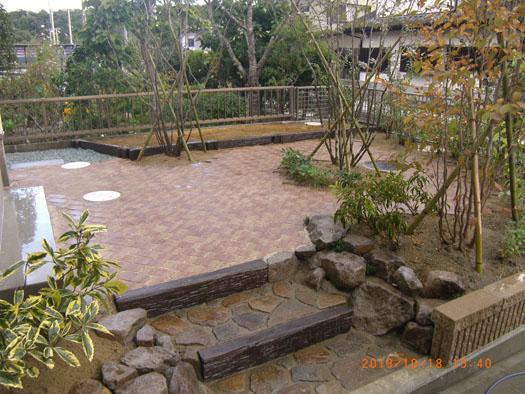 仙台市泉区 K様邸 シンボルツリーを囲むレンガ風の小路_3|竜門園