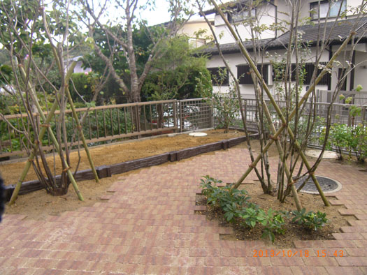 仙台市泉区 K様邸 シンボルツリーを囲むレンガ風の小路_6|竜門園