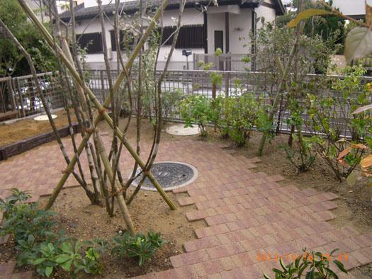 仙台市泉区 K様邸 シンボルツリーを囲むレンガ風の小路|竜門園