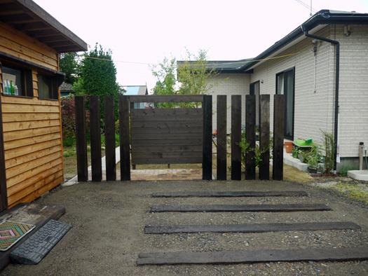 宮城県古川市 N様邸 木製フェンスとアプローチ|竜門園